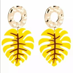 🌹✅Bohemian Leaf Shaped Gold Circle Drop Earrings.